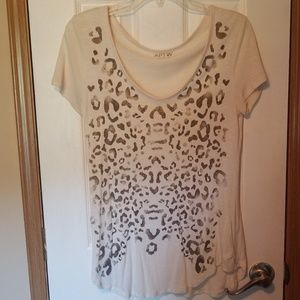 Apt 9 brand short sleeve top with embellishments